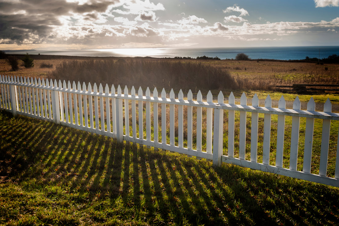 Vinyl fence Moses Lake white picket fence for yard